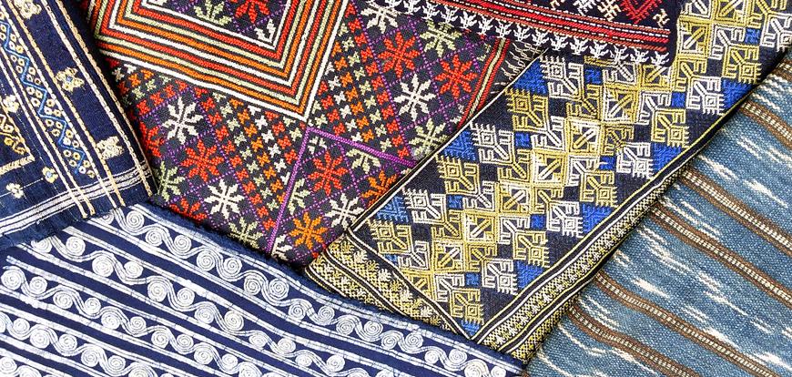 中国少数民族の服飾展</br>~古きをたずねて新しき布を知る~</br>2021年7月21日(火) 〜 8月2日(日)